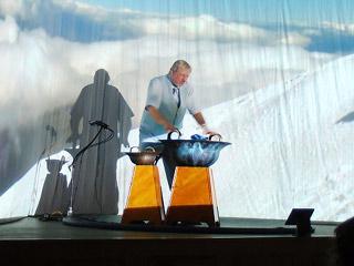 Tomáš Pfeiffer zahraje v Kraslicích na vodnářský zvon